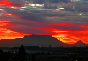 02_Table-Mountain-Sunset-taken-from-Brackenfel_J