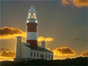 07_L'Agulhas_Sunset-Lighthouse_HVDBerg