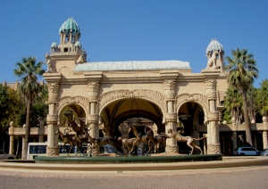 02_Entrance-to-the-Palace-at-Sun-City_DJ