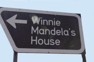 05_Winnie_Mandlas_House_DJ